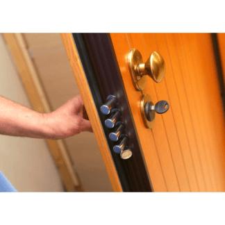 Particolare di una porta blindata