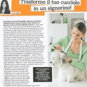 articolo di giornale una donna con cucciolo
