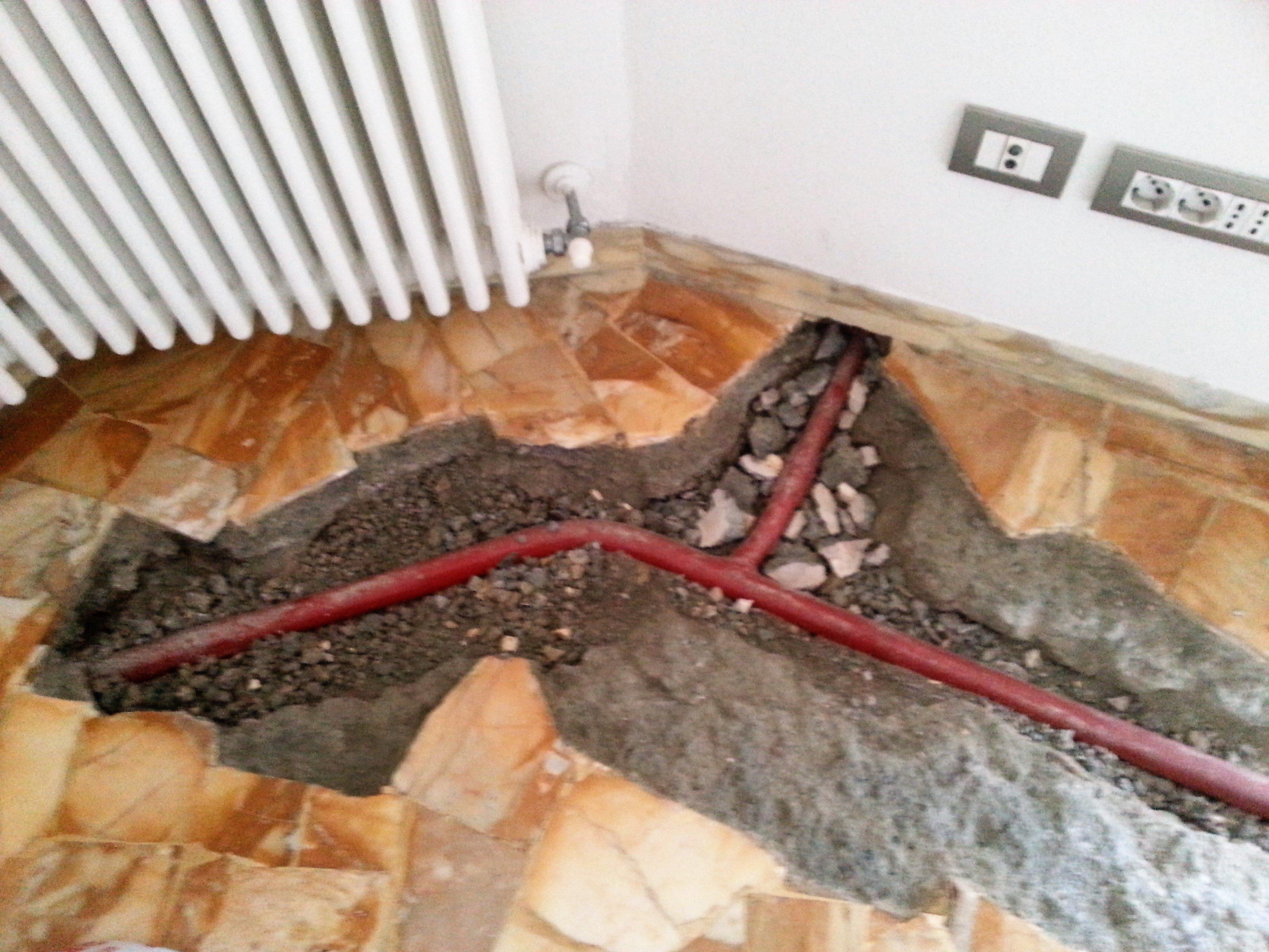pavimento in fase di ricostruzione