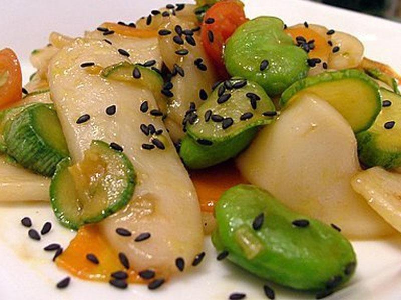 Pollo con verdure miste