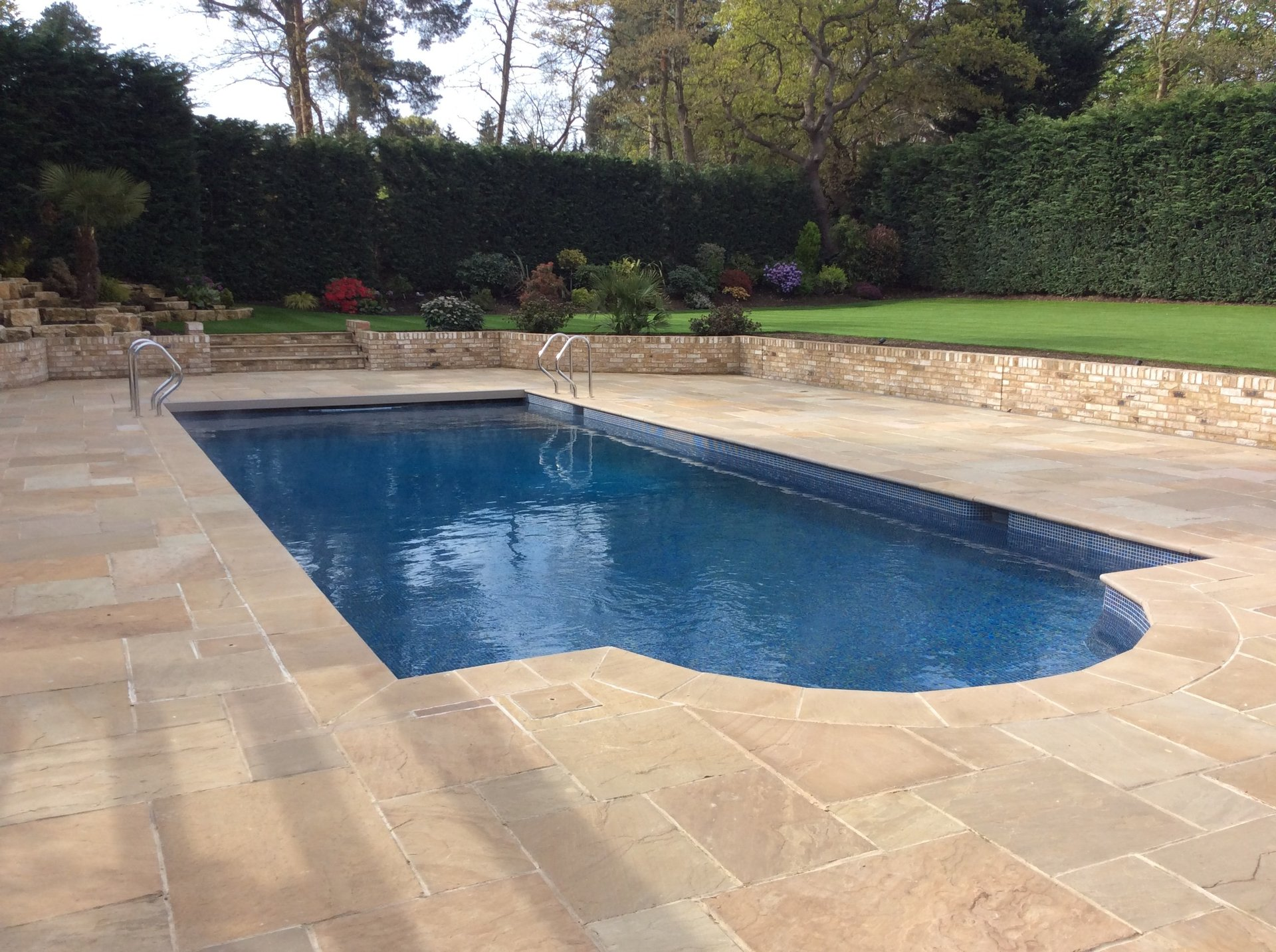 Luxury Pools And Spas By G P Swimming Pools Surrey