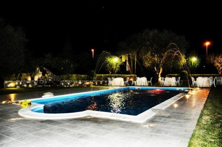 pool at restaurant