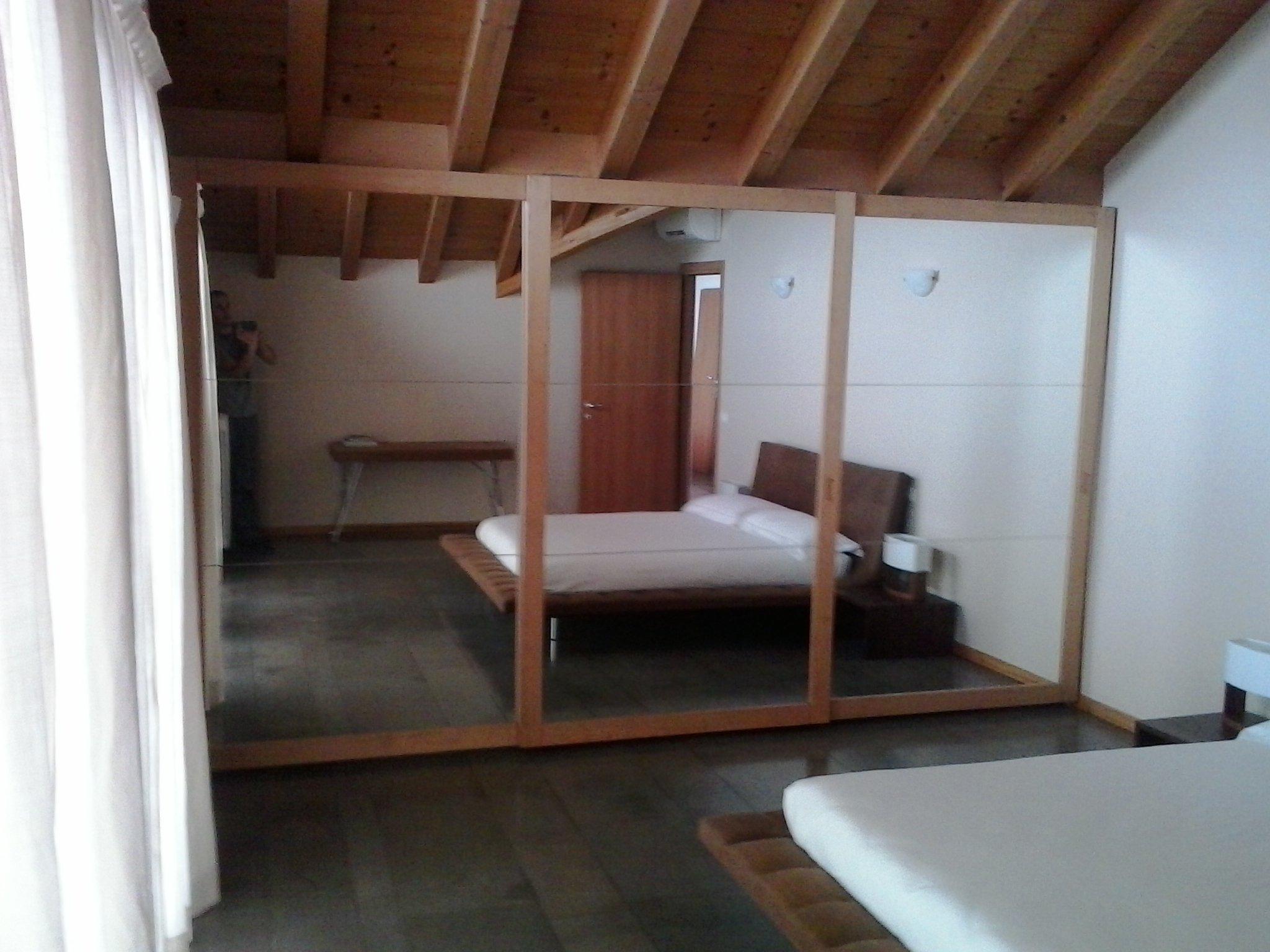 legno camera letto 1