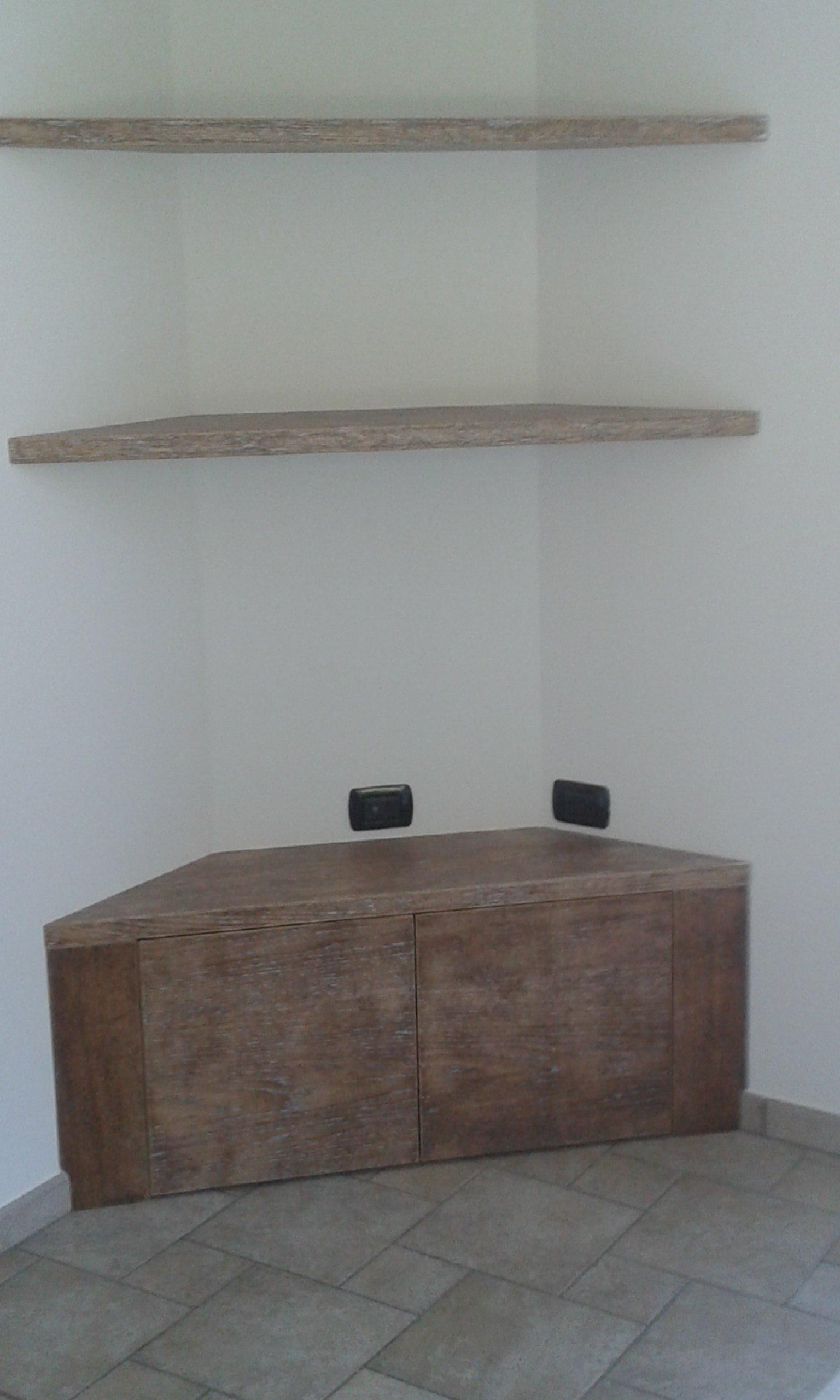 mobile legno 23