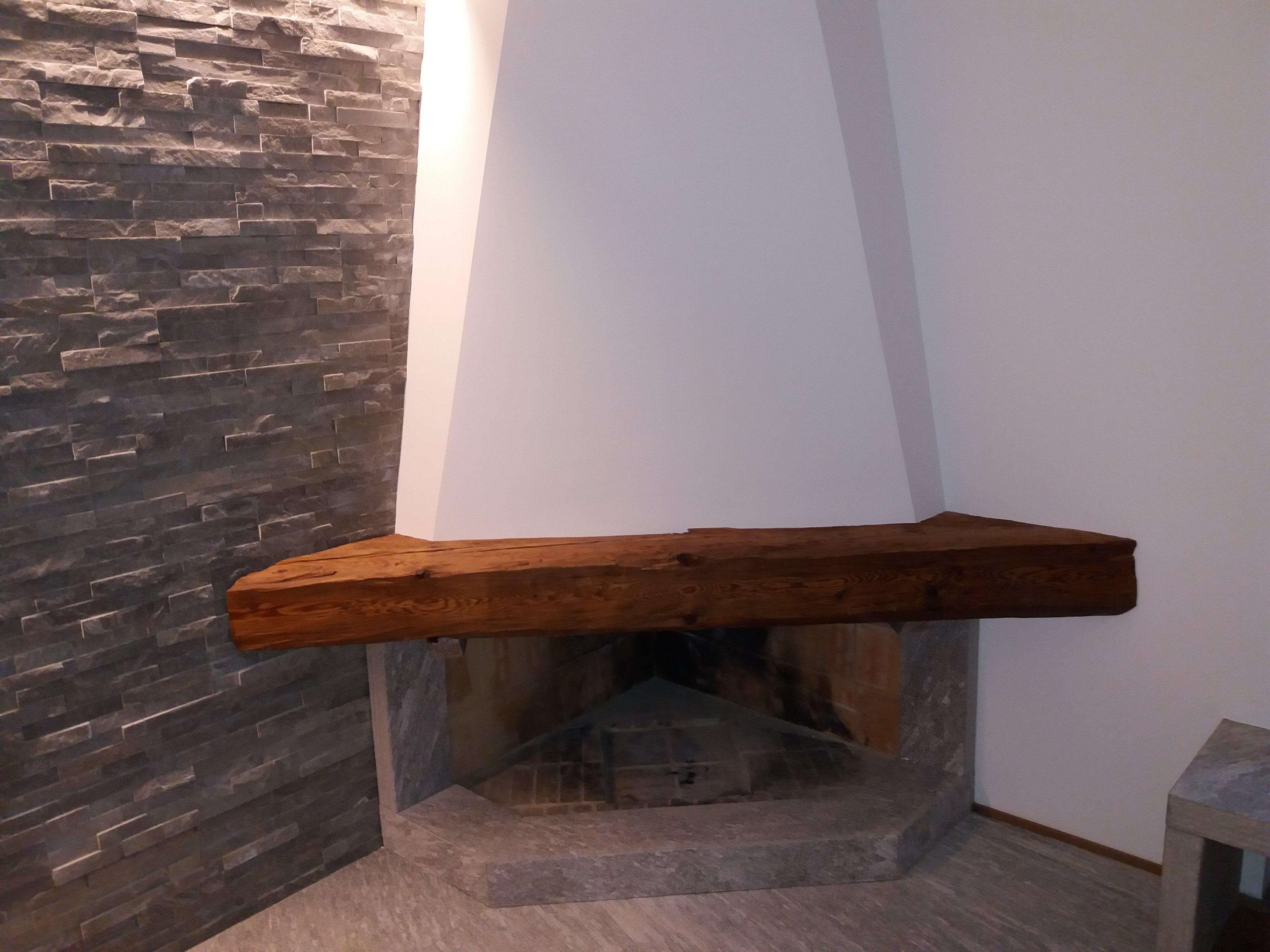 mobile legno 33