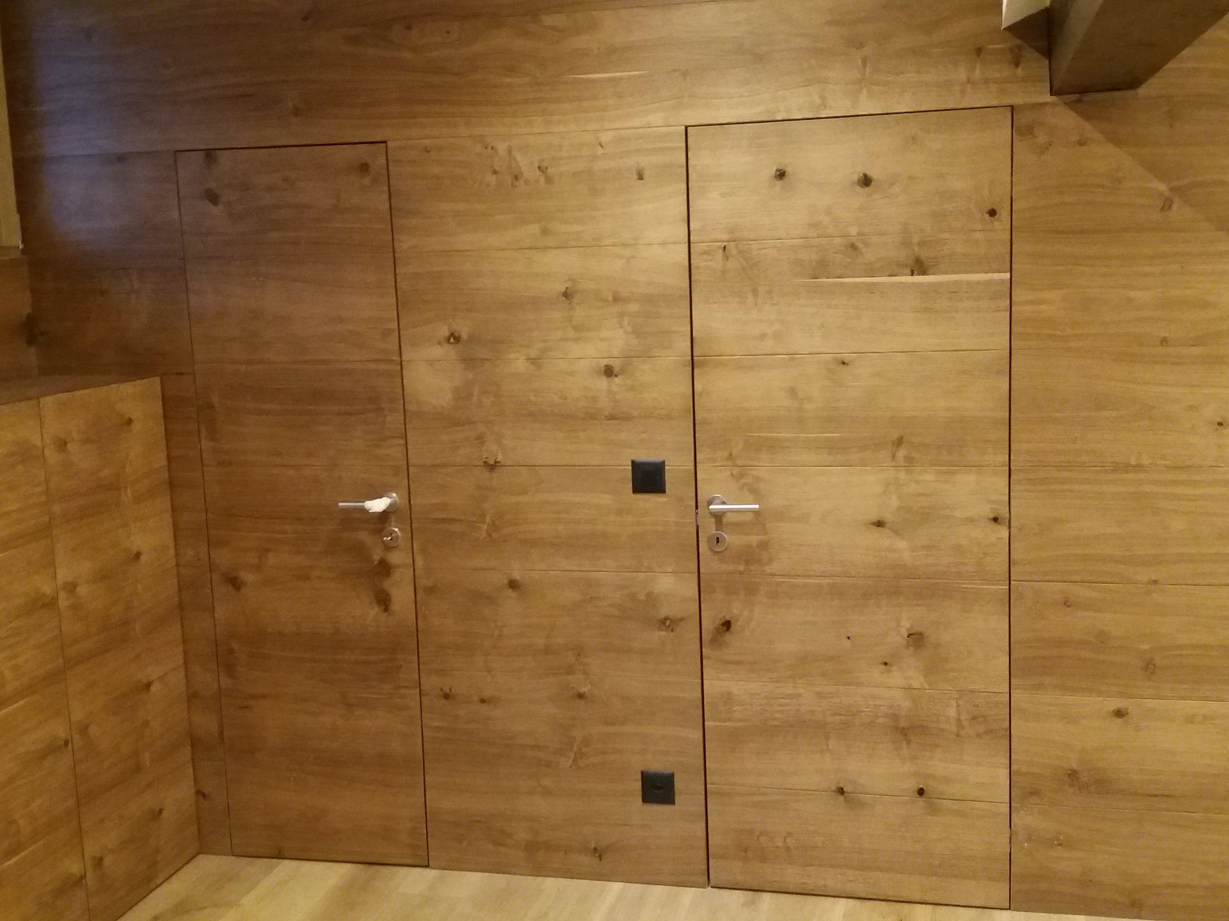 mobile legno 32