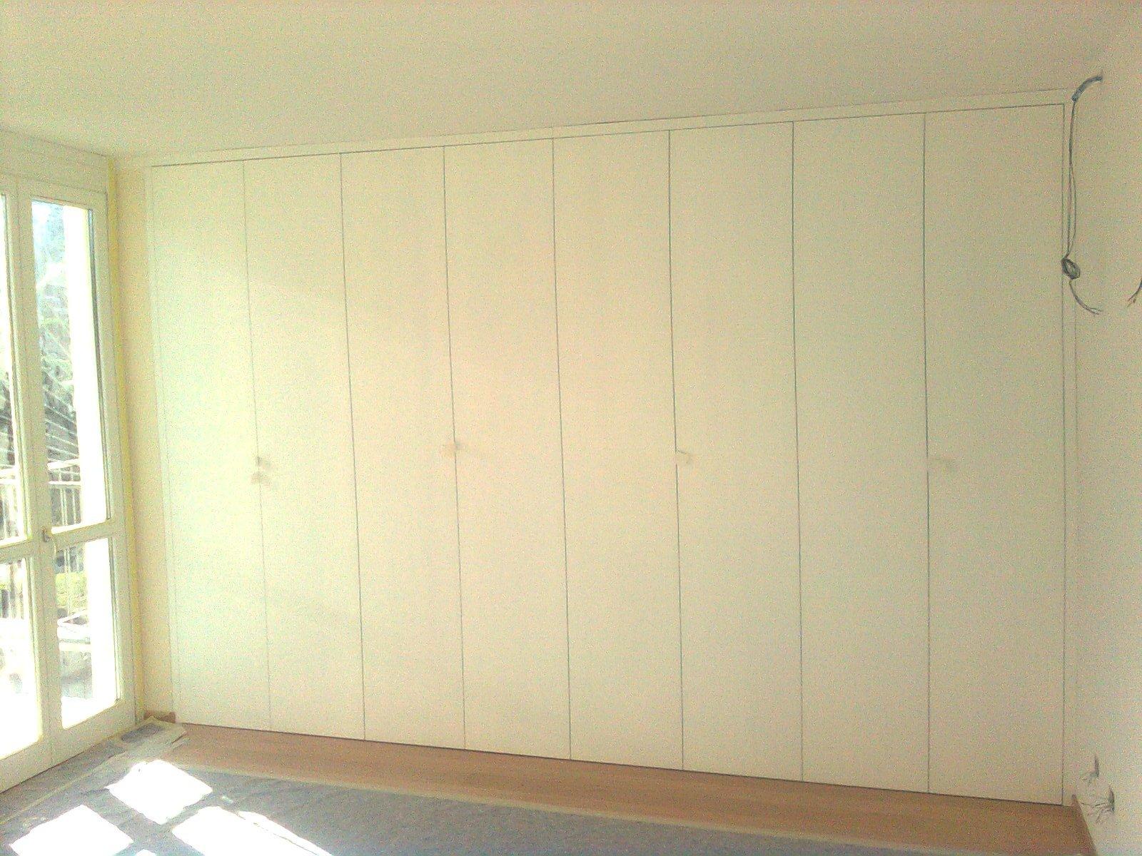 mobile legno 26