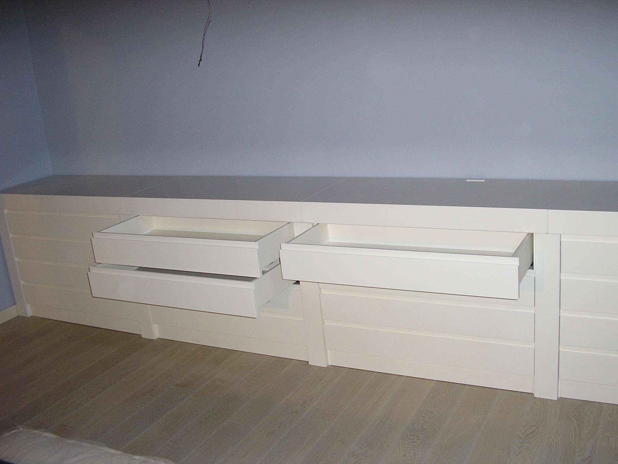 mobile legno 18
