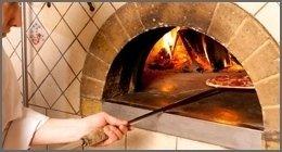 il forno di una pizzeria