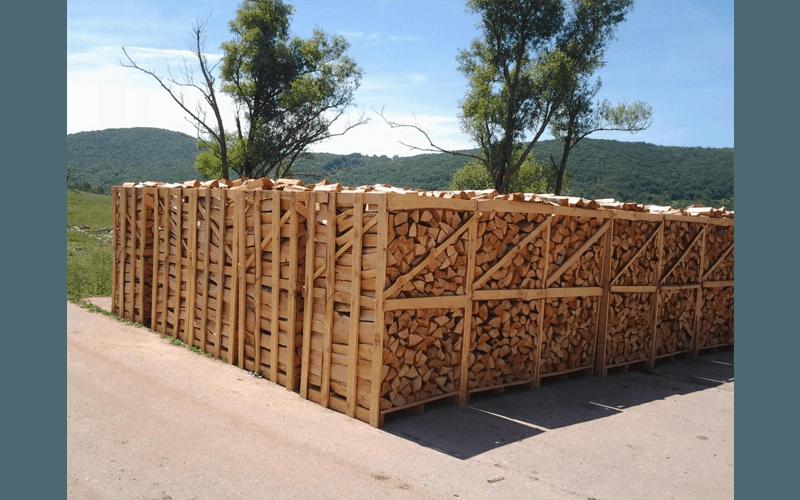 Bancali di legna da ardare