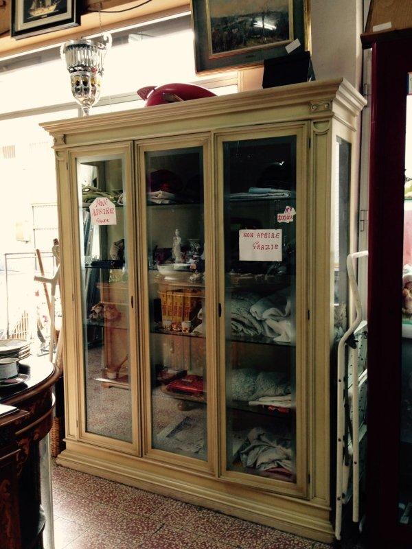 Vendita mobili usati a palermo mobili usati with vendita for Negozi arredamento napoli e provincia