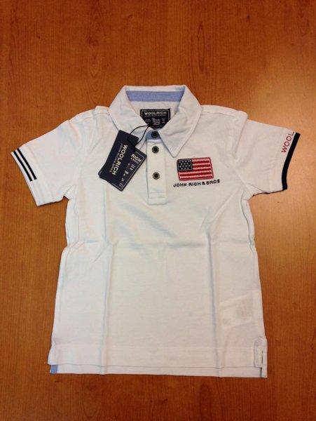 maglia con colletto e bandiera americana