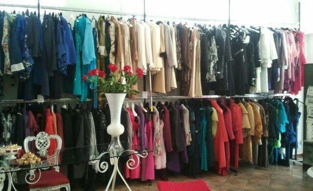 Varietà di abiti nel nostro outlet - Non Solo Bianco, Follonica (GR)
