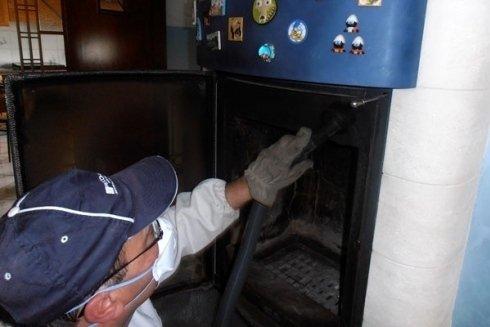 Abbiamo la giusta attrezzatura per la pulizia di ogni tipo di canna fumaria.