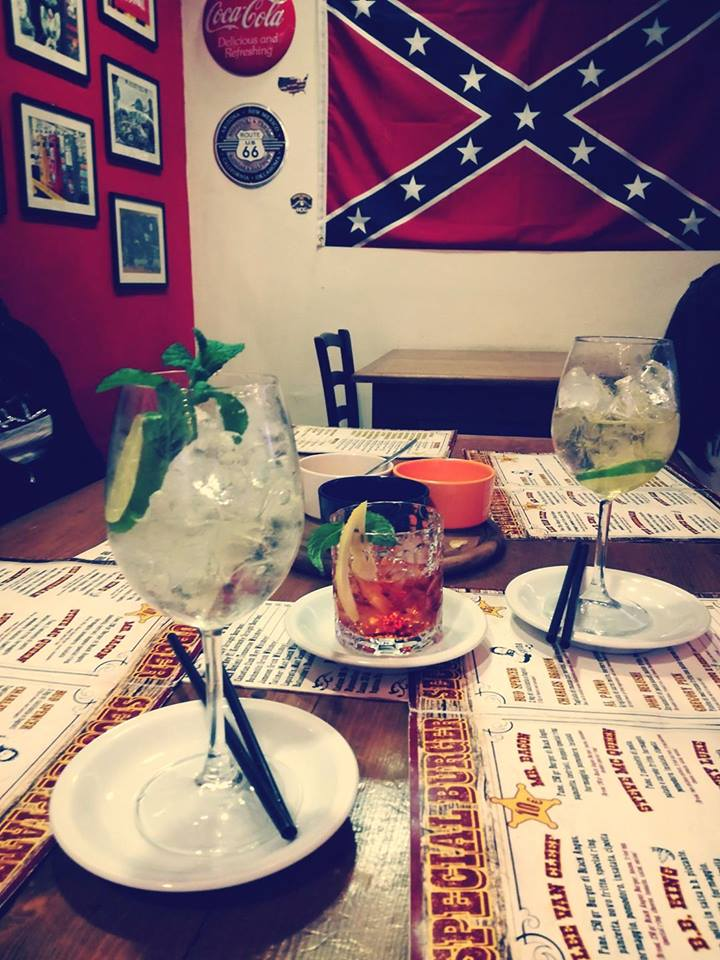 cocktails sulla tavola