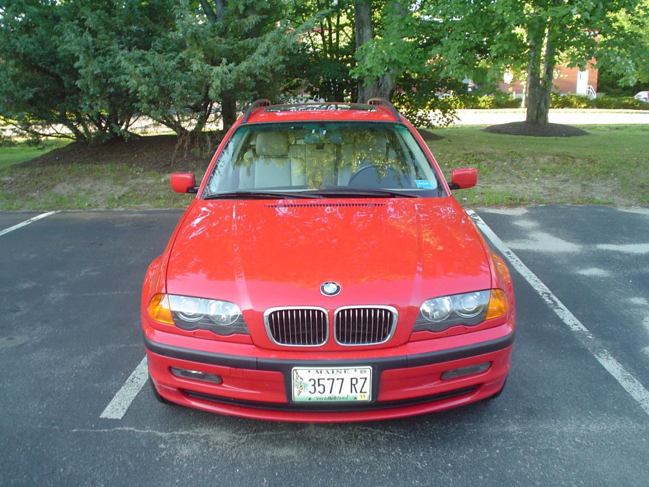 This is a very clean and low mileage 3 series wagon.There are not many in this color red.A very sharp looking car.