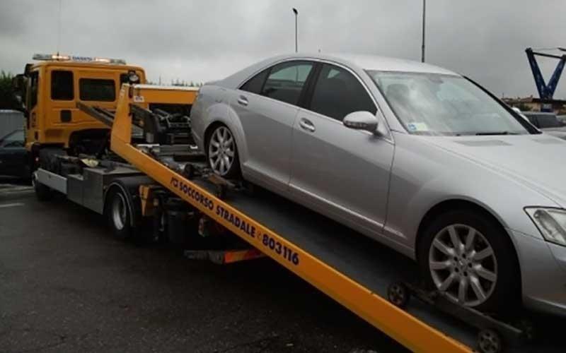 soccorso con carrellini per veicoli chiusi o bloccati