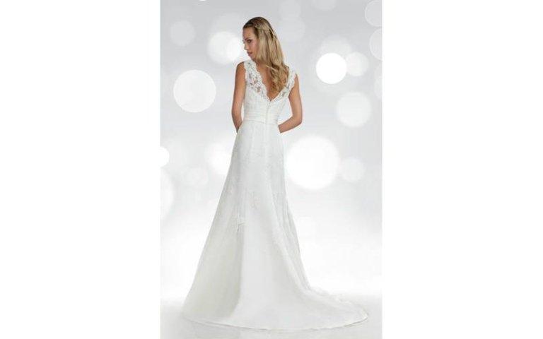 Vestito da sposa pizzi Orea Sposa