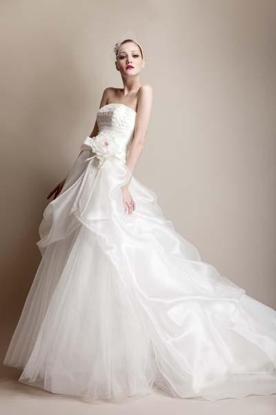 vestito sposa su richiesta