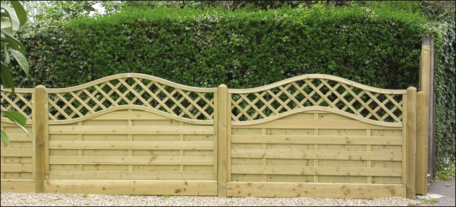 fencing repair - Ammanford, Carmarthenshire - TD Fencing & Hedgelaying Services Ltd - garden fencing