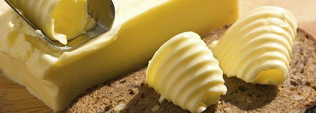 del burro e una fetta di pane integrale
