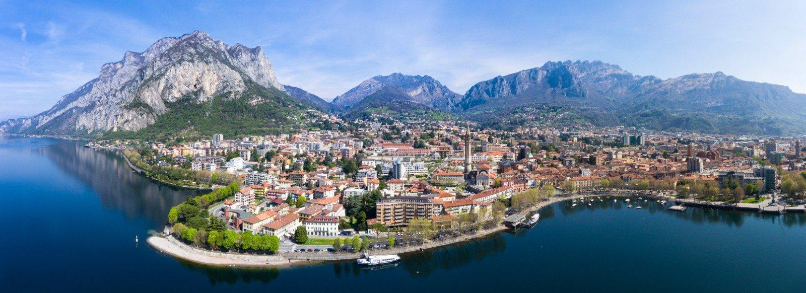 La città di Lecco sulle rive del lago di Como