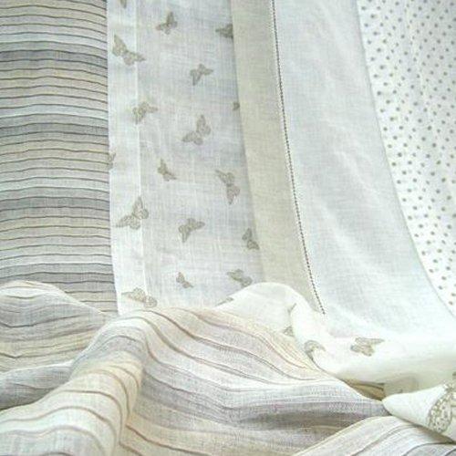 una vasta gamma di tende leggere, copritende, mantovane, pregiati tessuti