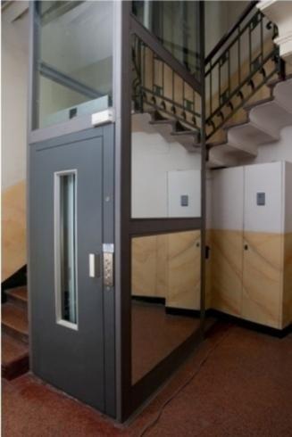 Montacarichi elevatori