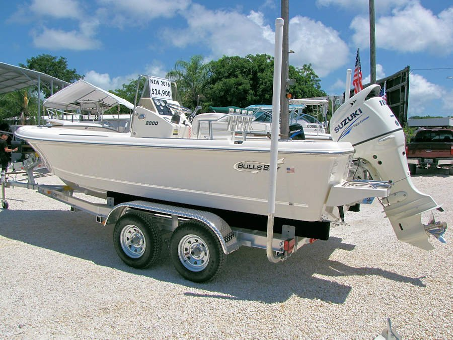 This new 2016 Bulls Bay 2000 Bay Boat has a 115hp Suzuki Four Stroke but you may select a new 115hp four stroke outboard of your choice.