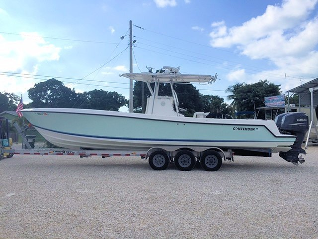 SOLD - 2006 Contender 31 Open Center Console