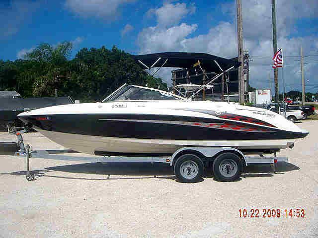 23 Yamaha High Output Jet Boat