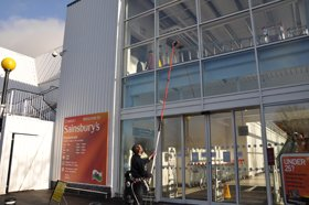 Window cleaners - Hengoed - Aquapane - Cleaning Supermarket