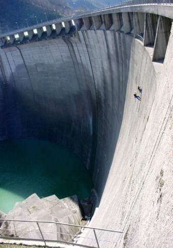 Interventi di manutenzione e pulizia dighe