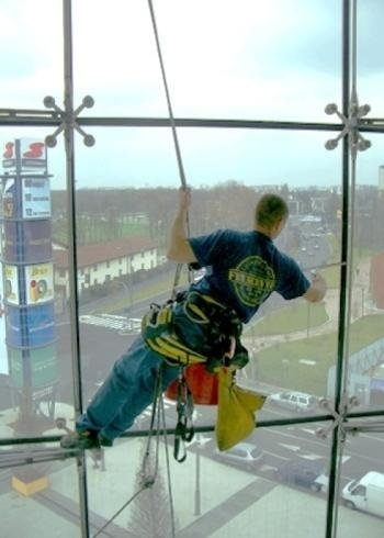 Lavaggio acrobatico vetrate