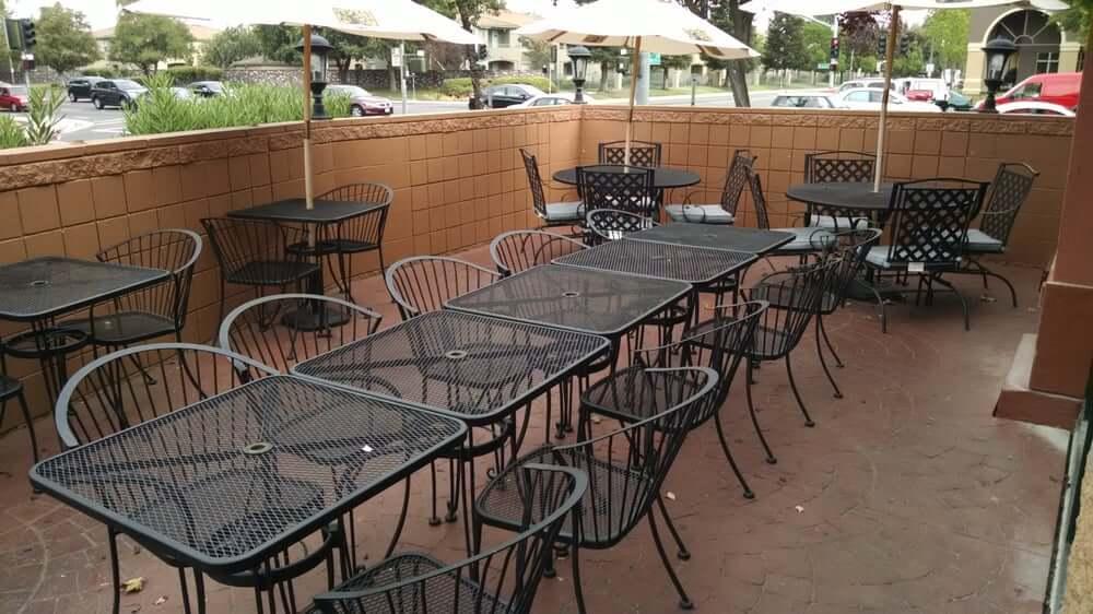 pizza restaurant in Elk Grove Ca