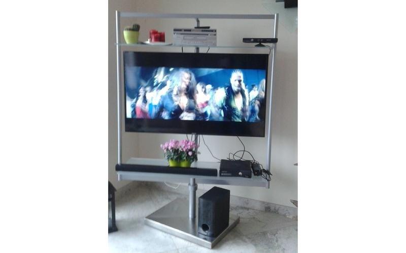 mobile tv in acciaio