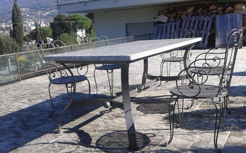 sedie e tavoli in ferro