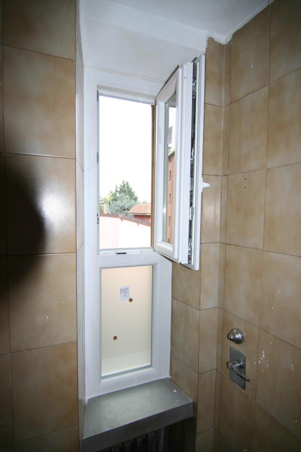 finestra aperta in bagno