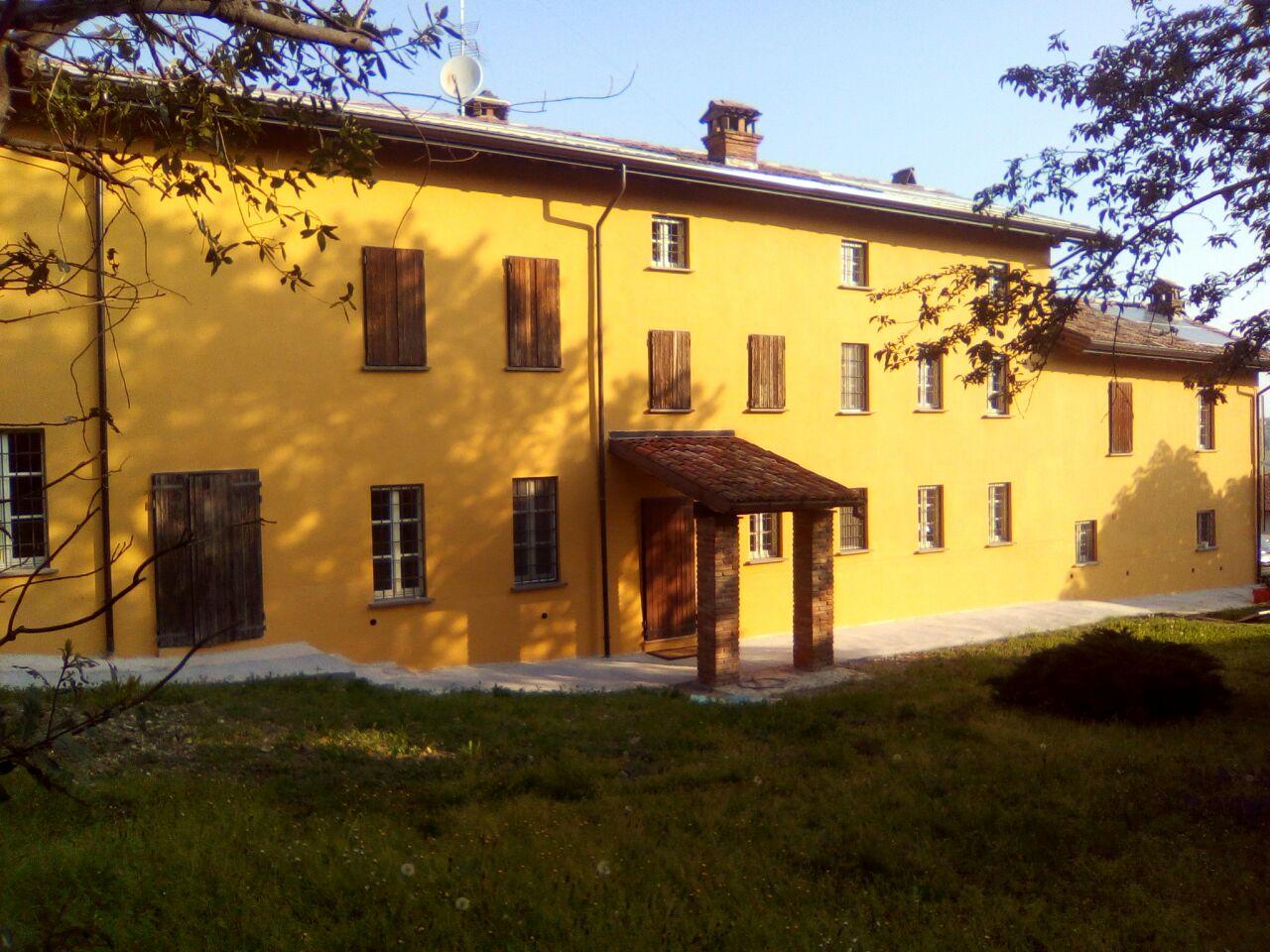 facciata di una villa dipinta