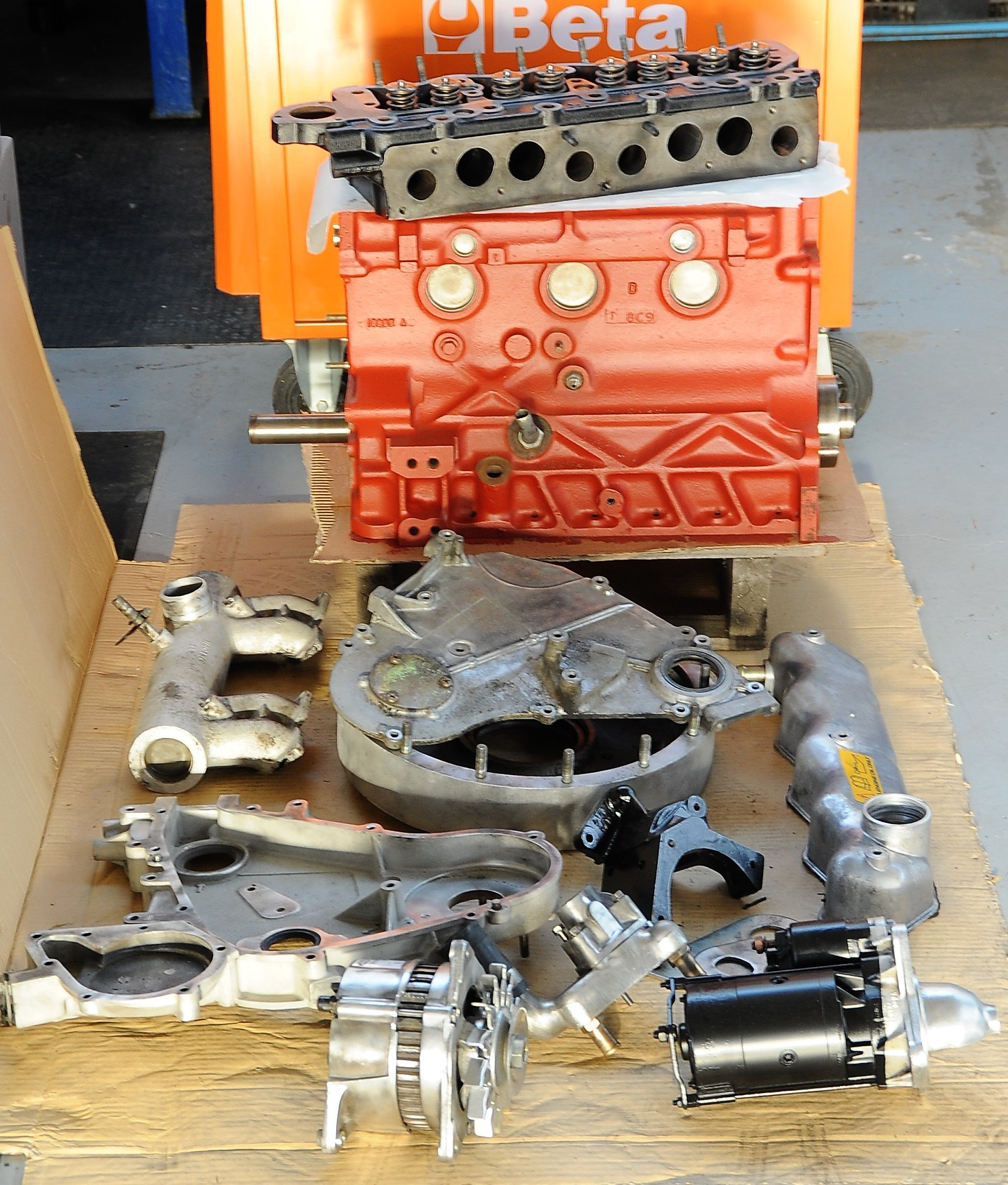 motore e pezzi di ricambio di auto