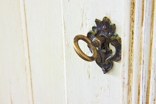 porte in legno su richiesta