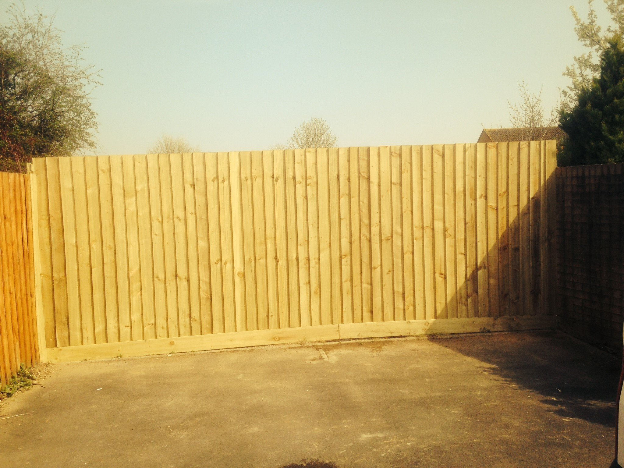 Fencing with wood