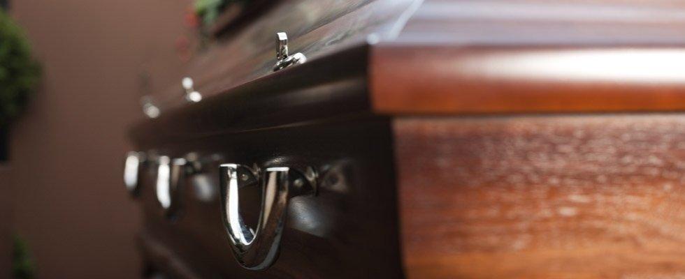 Bara con chiusure e maniglie di metallo