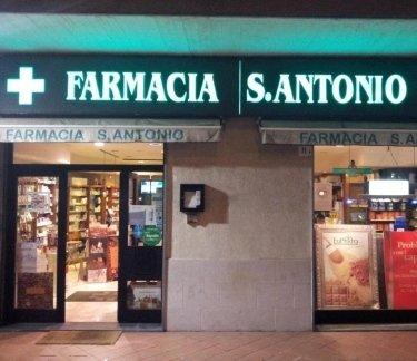 farmacia, farmaci da banco, prodotti bellezza
