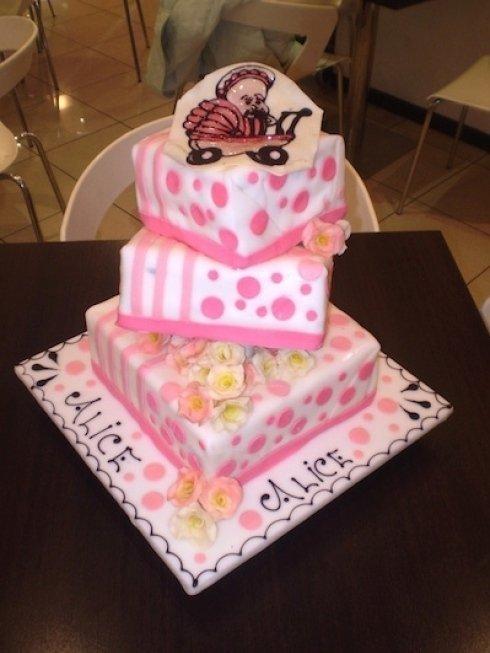 torta multistrato rosa
