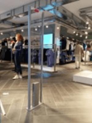 antitaccheggio in un negozio di abbigliamento