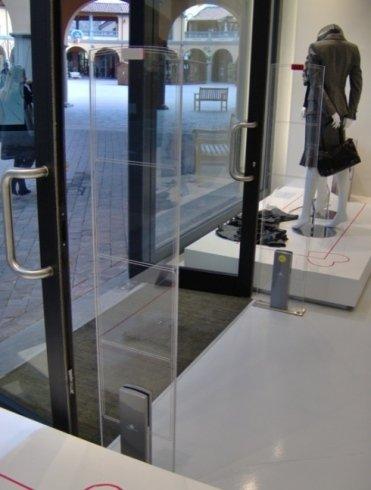 barre antitaccheggio, portelli, sicurezza negozi