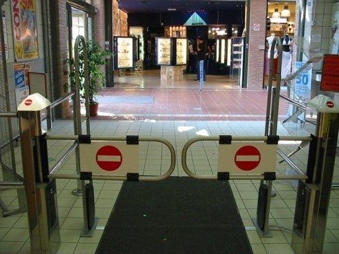 controllo entrate negozi, controllo uscite negozi, antitaccheggio