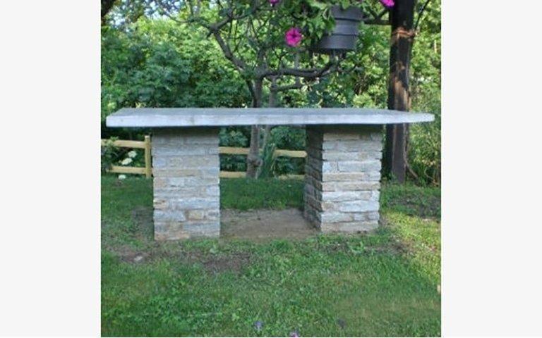 Tavolo in pietra