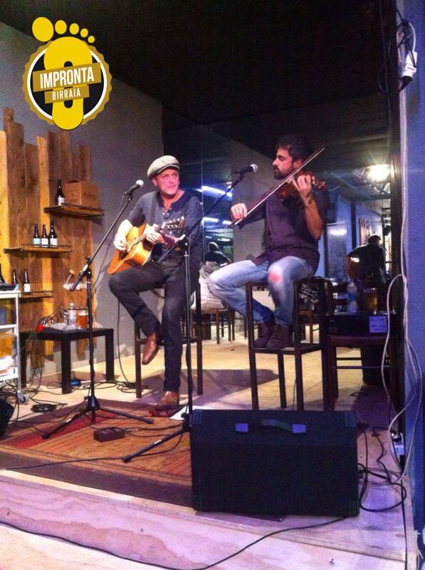 due di musicisti sul palco